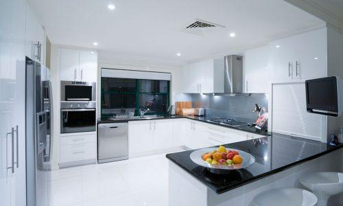Getting Your Home Ready to Sell: a staged kitchen